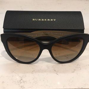 BURBERRY SUNGLASSES Model B4220 Perfect Condition